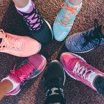 Ada banyak merek sepatu nyaman yang digunakan untuk sehari-hari ataupun berolahraga, salah satunya adalah Skechers. Skechers mengeluarkan banyak model sepatu yang keren. Biar tak bingung, simak rekomendasi sepatu Skechers yang nyaman dan keren untuk kamu versi BP-Guide.
