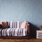 Mau tampilan sofa yang cantik? Anda bisa gunakan sofa cover untuk sofa lama Anda. Dapatkan tampilan ruangan lebih menakjubkan dengan deretan sofa cover rekomendasi dari kami!
