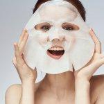 Wajah perlu juga dirawat memakai masker. Eits, sekarang sudah ada sheet mask yang praktis digunakan. Intip yuk, aneka sheet mask berkualitas dari Mediheal untuk kamu gunakan!
