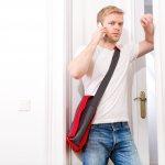 Gaya Kasual Maksimal Dengan 10 Pilihan Tas Selempang Pria Berikut