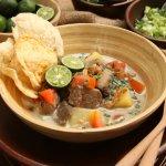 Soto adalah makanan legendaris di Indonesia dan disukai oleh hampir semua kalangan. Ternyata soto memiliki banyak varian cita rasa yang khas dan berbeda di tiap daerah. Dengan aneka resep soto khas nusantara ini kamu bisa mencicipi beragam soto hanya dari rumah.