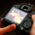 Dengan kualitas super keren, kamera Canon menjadi primadona para fotografer. Namun, bisa jadi, kamu yang pemula merasa bingung untuk menentukan tipe kamera Canon yang cocok. Untuk itu, kami hadirkan beberapa ulasan kamera Canon yang sesuai dengan kebutuhanmu.