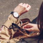 気軽に着けられるおしゃれな腕時計は、女性にとって嬉しいプレゼントになります。今回は、女性へのプレゼントに人気のカジュアル腕時計ブランドを【2018年度 最新版】としてランキング形式にまとめました。ビジネスやフォーマルにも対応するデザインまで揃っていますので、相手の女性のファッションやライフスタイルに合ったものを選びましょう。