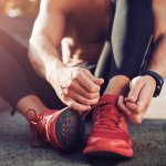 Berolahraga menjadi pilihan yang tepat untuk menjaga imun saat pandemi seperti saat ini. Tentunya, untuk memastikan tubuh tetap sehat dan hasil sempurna, maka olahraga harus dilakukan dengan aman dan tidak menimbulkan cedera. Salah satunya adalah dengan menggunakan sepatu olahraga yang tepat.
