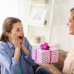 Menginjak dewasa, anak perlu mendapatkan perhatian ekstra dari orang tuanya. Salah satu cara untuk mengungkapkan perhatian Anda adalah dengan memberikan hadiah. Namun Anda perlu tahu hadiah yang cocok untuk mereka. Untuk itu, simak artikel ini untuk memberikan inspirasi hadiah yang sesuai dengan keinginan sang buah hati.