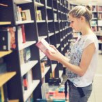 Meskipun teknologi berkembang pesat dan segalanya telah digantikan oleh teknologi, tetapi buku masih tetap bertahan. Sudah banyak yang mengembangkan dalam bentuk ebook, tetapi fisik buku cetak masih tetap dipertahankan. Percaya kan, bahwa buku zaman dulu banyak dicari untuk dijadikan koleksi?