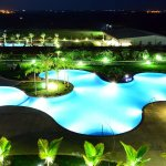 Some would love to get closer to nature, breathe in the fresh oxygen free from any pollutions, some would like to reconnect with their friends and family and have fun, and some would wish to do both of these things at once. Here is a list of 10 best resorts in Hyderabad which can be booked for a comfortable and memorable stay during your visit to this lovely city.