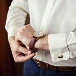Satu lagi merk jam tangan untuk kaum pria yaitu Bonia. Terlihat sangat elegan dengan desain yang simple namun mewah. Namun Anda perlu cermat dalam memilih jam tangan Bonia ini. Salah-salah yang ada malah mendapatkan jam tangan yang palsu. BP-Guide akan memberi informasi tentang cara membedakan jam tangan pria merk Bonia apakah asli atau palsu, beserta tips-tips lainnya.