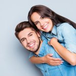 Tampil serasi bersama pasangan tentu jadi dambaan setiap orang. Kalau kamu suka mengenakan pakaian couple bersama pasangan, kamu wajib simak tips memilih baju couple yang tepat plus rekomendasi model baju couple terbaru dari BP-Guide berikut ini.