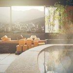ご両親が還暦を迎えたら、ホテルや温泉で特別なおもてなしをしてあげるのはいかがでしょうか。今回は、2020年最新情報にもとづき、おすすめの福岡県のホテルや温泉宿をご紹介します。お祝いにぴったりな宿をピックアップしているので、ぜひ選ぶときの参考にしてください。