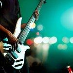 Musisi atau gitaris dari grup band ternama biasanya memiliki sejumlah gitar kesayangan. Setelah mereka berpulang ke pangkuan-Nya, tak jarang kemudian gitar-gitar koleksi para musisi ini dilelang dan uangnya disumbangkan untuk berbagai keperluan sosial atau kegiatan amal. Berikut beberapa gitar musisi yang harganya bisa bikin geleng-geleng kepala.