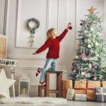 女の子にとって、クリスマスは最も楽しみなイベントのひとつです。今回は小学3年生の女の子に喜ばれる、2020年最新版のプレゼントランキングを作りました。大人気のメイキングトイ、家族みんなで楽しめる大型遊具など、女の子の期待に応えてくれる品が満載です。さらに贈る際の注意点や喜ばれるポイントなど、押さえておきたい情報もあわせてご覧ください。