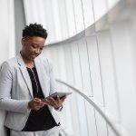 Tablet bisa digunakan untuk mengakses internet dan menjalankan berbagai fitur layaknya smartphone dan laptop. Salah satu yang terbaik tapi harganya terjangkau adalah tab Advan. Meski buatan lokal, tablet dari Advan kualitasnya tak perlu diragukan.