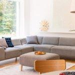 Sofa adalah elemen penting yang harus ada di dalam rumah, terutama di ruang tamu atau ruang keluarga. Model sofa berbentuk huruf L atau sofa sudut adalah salah satu yang terfavorit untuk mempercantik dekorasi ruangan. Yuk, simak rekomendasi sofa sudut dari BP-Guide yang bisa dijadikan inspirasi.