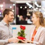 バレンタインデーに夫に贈りたいプレゼントの、2020年最新ランキングをまとめました。いくつになってももらって嬉しいバレンタインギフトの失敗しない選び方、予算もあわせてご紹介しますので、ぜひ大切な旦那さんへ贈る際の参考にしてください。