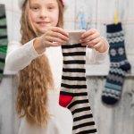 Kaos kaki khusus perempuan biasanya memiliki warna yang unik dan cerah. Tidak hanya itu, desainnya juga lebih unik dan menarik. Berikut BP-Guide akan mengulas tentang kaos kaki yang pas untuk anak perempuan agar semakin girly dan catchy.