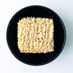 Nikmati Saat Senggang dengan 9 Rekomendasi Snack Mi Berikut! (2020)