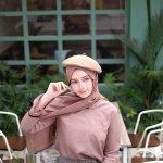 Dalam beberapa acara dan momen penting lainnya, kita tentunya ingin tampil cantik maksimal saat berhijab. Aksesori hijab bisa kamu andalkan untuk menunjang penampilanmu. Yuk, lihat rekomendasi aksesori hijab rekomendasi BP-Guide.