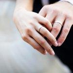 10 Rekomendasi Cincin Lamaran dan Pernikahan yang Elegan dari Online Shop Terpercaya (2020)