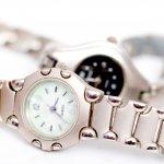 Tampil keren tak harus menggunakan jam tangan mahal. Banyak merek jam tangan murah namun berkualitas, lengkap dengan model yang keren. Tapi, jangan sembarangan memilih. BP-Guide akan bantu kamu memilih jam tangan pria Rp. 100.000-an yang bikin gaya kamu tetap kece!