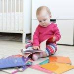 赤ちゃんがにっこりと微笑むような楽しいイラストや色彩で描かれている絵本は出産祝いのプレゼントとして最適です。今回は2021年最新版、新作を含めたおすすめの絵本をピックアップし紹介しています。予算や人気の理由なども解説していますのでプレゼント選びの参考にしてください。