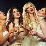 Trang phục dự đám cưới từ lâu đã được các chị em phụ nữ quan tâm và đầu tư để có được diện mạo xinh xắn nhất trong đám tiệc. Nếu bạn đang đau đầu với quá nhiều sự lựa chọn thì hãy để bài viết sau đây chọn lọc giúp bạn 10 gợi ý thời trang ăn cưới sang trọng dành cho nữ (năm 2020), cùng tham khảo ngay để có lựa chọn ưng ý cho mình nhé!
