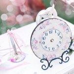 古くから結婚祝いの定番プレゼントとして知られている時計ですが、その人気の理由は?贈る意味は?予算は?知っておきたいマナーや時計のプレゼント選びのポイントまで、全てご説明します!時計は結婚祝いで贈ることに深い意味があり、これからも二人との長い付き合いを希望する方に是非選んでほしいプレゼントです。さらに、人気のブランド時計、おしゃれな時計を【2019年度版】予算別にランキング形式でご紹介します。時計に刻むおすすめメッセージも合わせてご覧ください!
