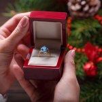 大切な彼女を喜ばせるなら、クリスマスプレゼントにはロマンチックな雰囲気の指輪がおすすめです。今回は「2018年最新情報」の彼女に贈りたい人気のブランド指輪を、ランキング形式でご紹介します。ヨンドシーやティファニーなど、女性にとって憧れのブランドのなかから、彼女が喜ぶポイントを押さえた素敵な逸品を贈りましょう。