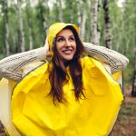 Memasuki musim penghujan sudah selayaknya mempersiapkan hal-hal yang dapat melindungimu dari terpaan hujan. Jangan sampai salah memilih jas hujan karena BP-Guide punya rekomendasi berbagai jas hujan Penguin yang kualitasnya sudah terjamin. Cek dulu di sini, yuk!