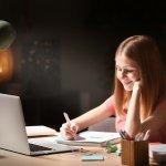 Ketika belajar terutama di malam hari, maka pencahayaan yang baik sangat dibutuhkan. Jadinya, proses belajar tidak membuat mata cepat lelah dan mengantuk. Ditambah lagi, mata tidak rusak karena cahaya yang dibutuhkan cukup. Berikut BP-Guide akan mengulas dan memberikan rekomendasi lampu belajar yang tepat untuk Anda.