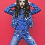 Celana jeans sudah menjadi keseharian masyarakat modern. Termasuk juga di Indonesia. Khusus para wanita, model jeans yang ada saat ini bisa memenuhi berbagai gaya penampilan yang diinginkan. Apa saja model jeans terbaru di 2018 ini?