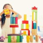 Mainan dibutuhkan oleh anak laki-laki maupun perempuan. Mainan yang tepat akan membantu anak-anak untuk semakin mengembangkan daya imajinasi dan kreativitasnya. Penasaran apa saja mainan yang cocok untuk anak perempuan Anda? Yuk, simak ulasan dari BP-Guide berikut ini!