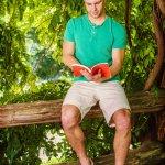 10 Produk Celana Pendek Branded yang Pas untuk Gaya Kasual Pria