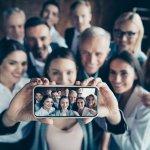 Smartphone memang jadi teman keseharian kita yang tak terpisahkan. Kamera adalah salah satu fitur penting dalam smartphone yang kita butuhkan. Jangan asal pilih smartphone jika kamu hobi fotografi, cek aneka fitur kamera smartphone yang harusnya dimiliki bersama kami! Jangan lupa cek rekomendasi kami juga!