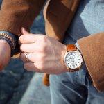 ポールスミスのメンズ腕時計は、一見シンプルでオールマイティに活躍してくれるデザインが幅広い年齢層に人気です。クラシカルなデザインからポップなデザインまで揃う、「ひねりのあるクラッシック」のコンセプトが活かされた人気シリーズをランキング形式でご紹介します。上手な選び方もチェックして、トレンドに左右されずに長く愛用できるおしゃれな逸品を見つけてください。