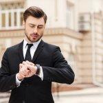 Seiring perkembangan zaman, fungsi jam tangan tidak lagi sekadar penunjuk waktu. Ada banyak fungsi dan manfaat dari sebuah jam tangan pria dewasa. Baik itu GPS, alarm, bahkan bisa menjadi alat komunikasi ketika tersambung dengan smartphone. Apa saja pilihan jam tangan pria dewasa pada 2017 ini?