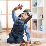 Bermain bersama anak adalah bagian dari quality time agar ikatan antara anak-orangtua semakin erat. Apalagi jika kegiatan membuat mainan edukatif bisa dilakukan oleh anak dan orangtua, selain ikatan yang semakin kuat, kreativitas si anak pun turut terasah. Nggak usah bingung, ide-ide mainan kreatif dari BP-Guide ini gampang banget dibuatnya. Simak aja, yuk!