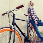 Bersepeda menjadi salah satu solusi bagi Anda yang ingin berolahraga, di tengah rutinitas sehari-hari. Sepeda fixie memberi kesan yang keren dan trendi bagi Anda yang ingin bersepeda santai sore, atau sekedar di dekat rumah. Dalam artikel kali ini, BP-Guide akan memberi rekomendasi sepeda fixie yang pas untuk gaya Anda sehari-hari.