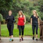 Olahraga merupakan kegiatan yang perlu dilakukan rutin untuk menunjang kesehatan. Bagi kamu yang sibuk, terutama wanita, olahraga lari bisa menjadi pilihan. Olahraga outdoor ini mungkin bagi sebagian wanita membutuhkan pakaian yang tidak terlalu terbuka, apalagi musim penghujan seperti saat ini. Kamu bisa menggunakan celana panjang yang direkomendasikan di sini.