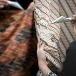 Busana batik adalah pilihan yang pas untuk tampilan khas Indonesia. Nah, tidak perlu bingung mencari batik yang pas untuk Anda, baik wanita maupun pria. Karena di bawah ini, BP-Guide akan memberikan rekomendasi produk yang bisa Anda pertimbangkan.