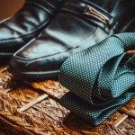 Dasi adalah aksesori pelengkap untuk penampilan formal. Para pria tidak boleh melewatkan dasi untuk setelan jas dan kemeja. Intip koleksi dasi yang keren dan modis agar penampilanmu semakin oke. BP-Guide punya rekomendasi terbaiknya berikut ini.