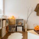 Ada banyak tren desain interior rumah saat ini. Mulai dari yang vintage, simpel, natural, sampai yang unik. Bagi yang berjiwa seni, mungkin hiasan interior yang unik akan lebih dipilih. Nah, berikut ini rekomendasi barang unik untuk hiasan rumah Anda.