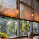 Tirai gulung memiliki fungsi utama untuk memfilter cahaya yang masuk ke ruangan. Tapi, sisi lainnya, juga memperindah ruangan Anda. Jadi, pilih tirai yang mampu melakukan keduanya sekaligus, ya. Berikut ulasan dan rekomendasi produknya.