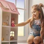 Mencari mainan yang tepat untuk anak adalah kewajiban bagi orangtua. Ada banyak jenis mainan untuk anak perempuan yang bisa dipilih. BP-Guide sudah menyiapkan daftar mainan yang cocok untuk anak perempuan. Apa aja, ya? Langsung baca, yuk!