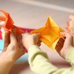 Membuat anak untuk mulai belajar kreatif tidak terlalu sulit sebenarnya. Anda harus menemukan cara yang tepat. Salah satunya, membuat kerajinan tangan 3 dimensi. Apa saja idenya? Yuk, simak yang berikut ini!