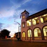 Ingin menginap di Semarang tapi budget terbatas? Tak perlu cemas, ada banyak hotel murah yang masih nyaman yang bisa dijadikan tempat menginap. BP-Guide akan berikan rekomendasi hotel murah di Semarang hanya untuk kamu.