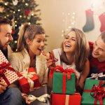Acara tukar kado pasti menjadi saat yang ditunggu-tunggu saat merayakan Natal bersama keluarga. Kamu mungkin cukup bingung menentukan kado yang tepat untuk acara ini. Untuk mengatasi masalahmu, BP-Guide punya solusi ide kado yang unik dan bermanfaat untuk penerima kado. Coba lihat saja pilihan-pilihannya berikut ini.