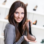 Para wanita memang jagonya dalam hal fashion, termasuk memilih jenis sepatu yang akan digunakan. Salah satu jenis sepatu yang bisa dipilih para wanita adalah sepatu pump. Sepatu yang satu ini sangat cocok untuk berbagai acara. Mau tahu rekomendasi sepatu pump dari BP-Guide? Yuk, langsung cek, ya!