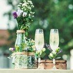 結婚祝いのプレゼントは、新たな人生を歩む二人への最初の贈り物です。今回は、結婚祝いのなかでも人気のペアグラス【2021年最新情報】をお届けします。シンプルなものから華やかでおしゃれなデザインのものまで、結婚祝いにぴったりのペアグラスをご紹介しますので、プレゼントにお悩みの方は参考にしてください。