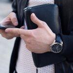 品格のあるダンヒルの財布は、センスの良い大人の男性に支持されています。今回はダンヒルのメンズ財布のなかでも二つ折り財布と三つ折り財布にスポットを当て、人気のシリーズをわかりやすくランキング形式にまとめました。選び方のポイントもあわせて解説しているので、購入する際の参考にしてください。